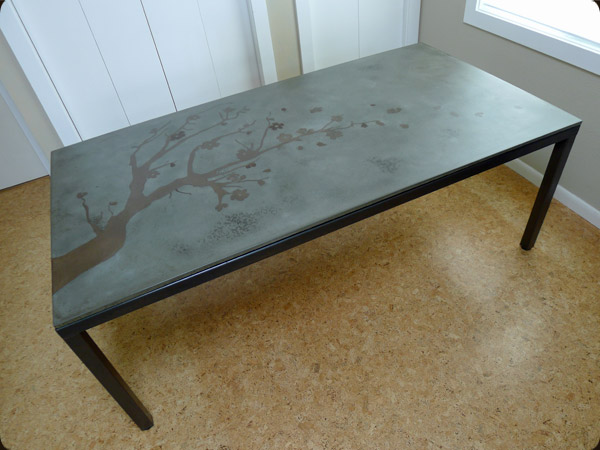 Exceptionnel Steel And Concrete Table