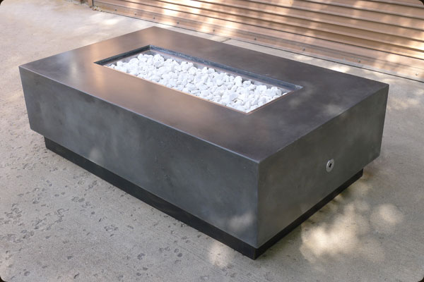 outdoor gas and propane fire pit