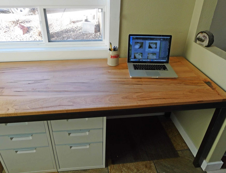 Ambrosia maple desk