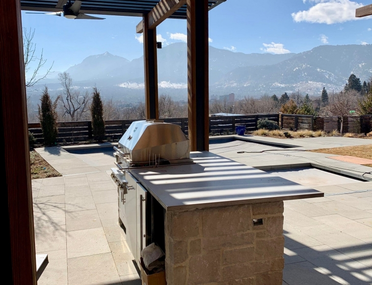 Boulder outdoor concrete kitchen counter