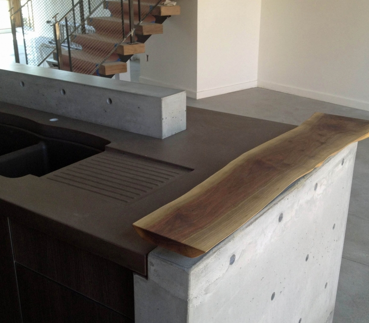 Concrete countertops and wall elements