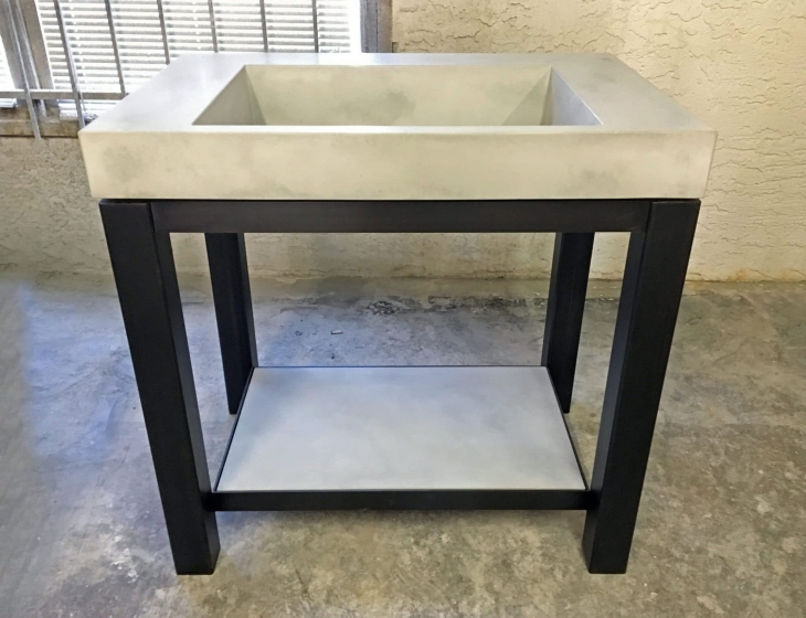 Ramp sink with steel base