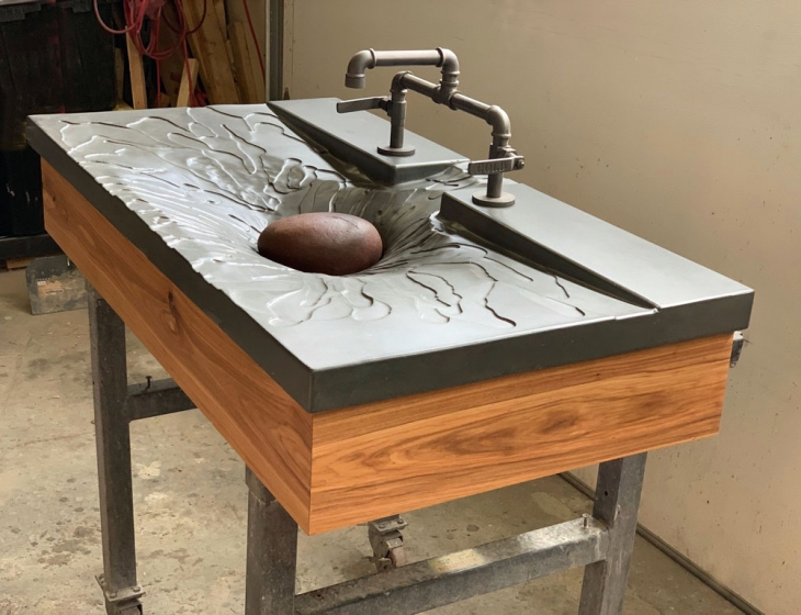 'Splash' concrete sink