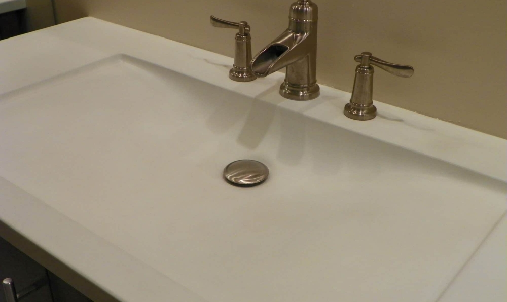 white sink close up
