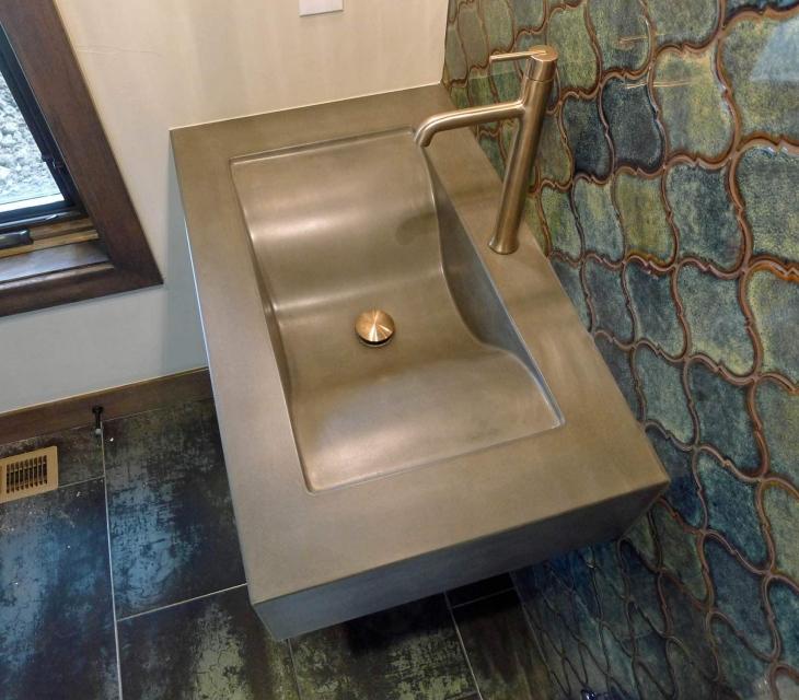 Concrete wave sink