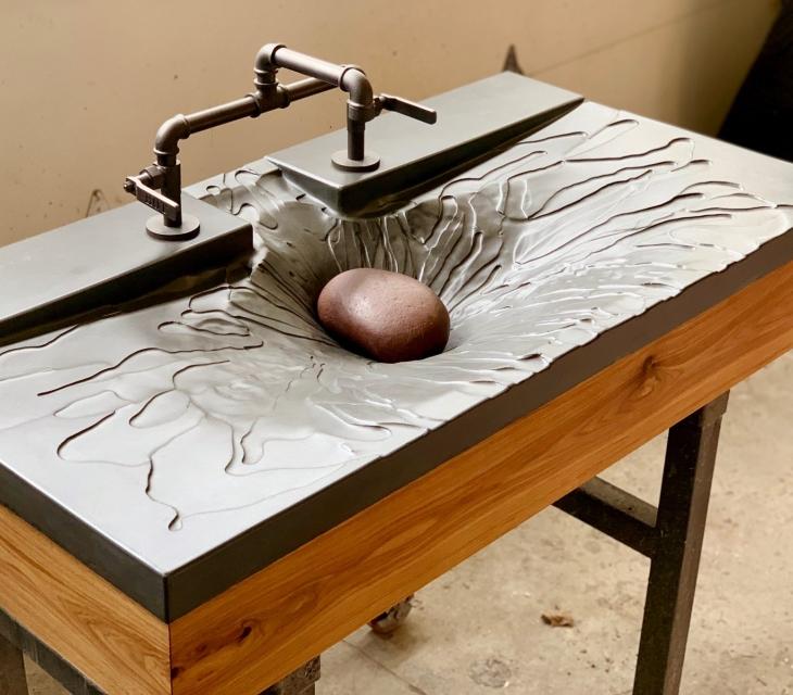 'Splash' concrete sink