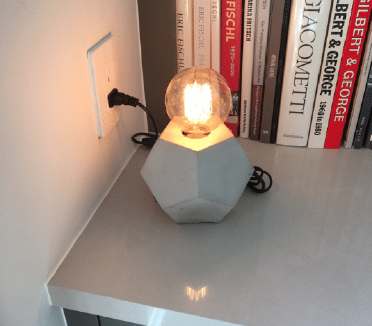 Geometric concrete table lamp